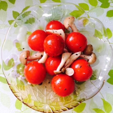 バジル香る冷製トマトマリネ