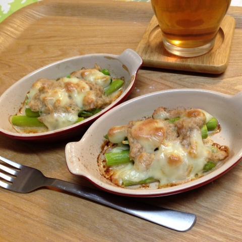 アスパラガスのチーズ焼き