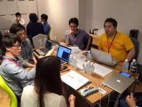 山田良明さん(左端)とチームメイト